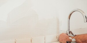 How to grout tiles yourself: Easy DIY for beginners