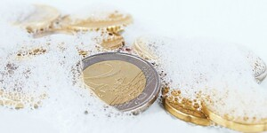 Make them shine: How to clean coins