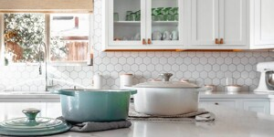 Learning how to tile a kitchen splashback: The easiest steps possible